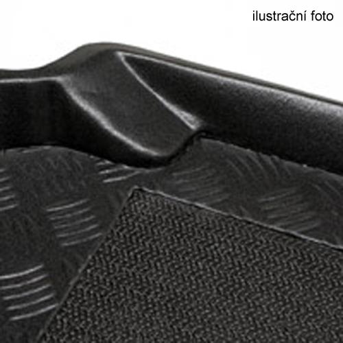 Plastová vana do kufru Rezaw-Plast Škoda Yeti se sadou nářadí umístěnou v kufru 2013-