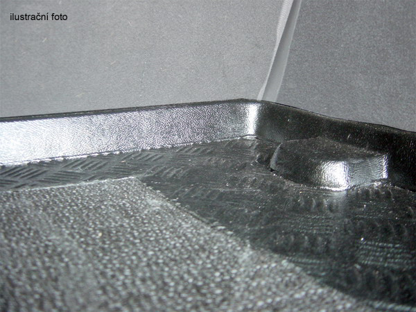 Plastová vana do kufru Rezaw Plast Mitsubishi Outlander III 2012-plnoh. kolo