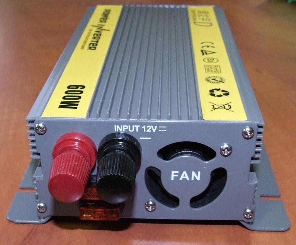 Měnič nápětí z 12V na 220V 600W, CHT-600